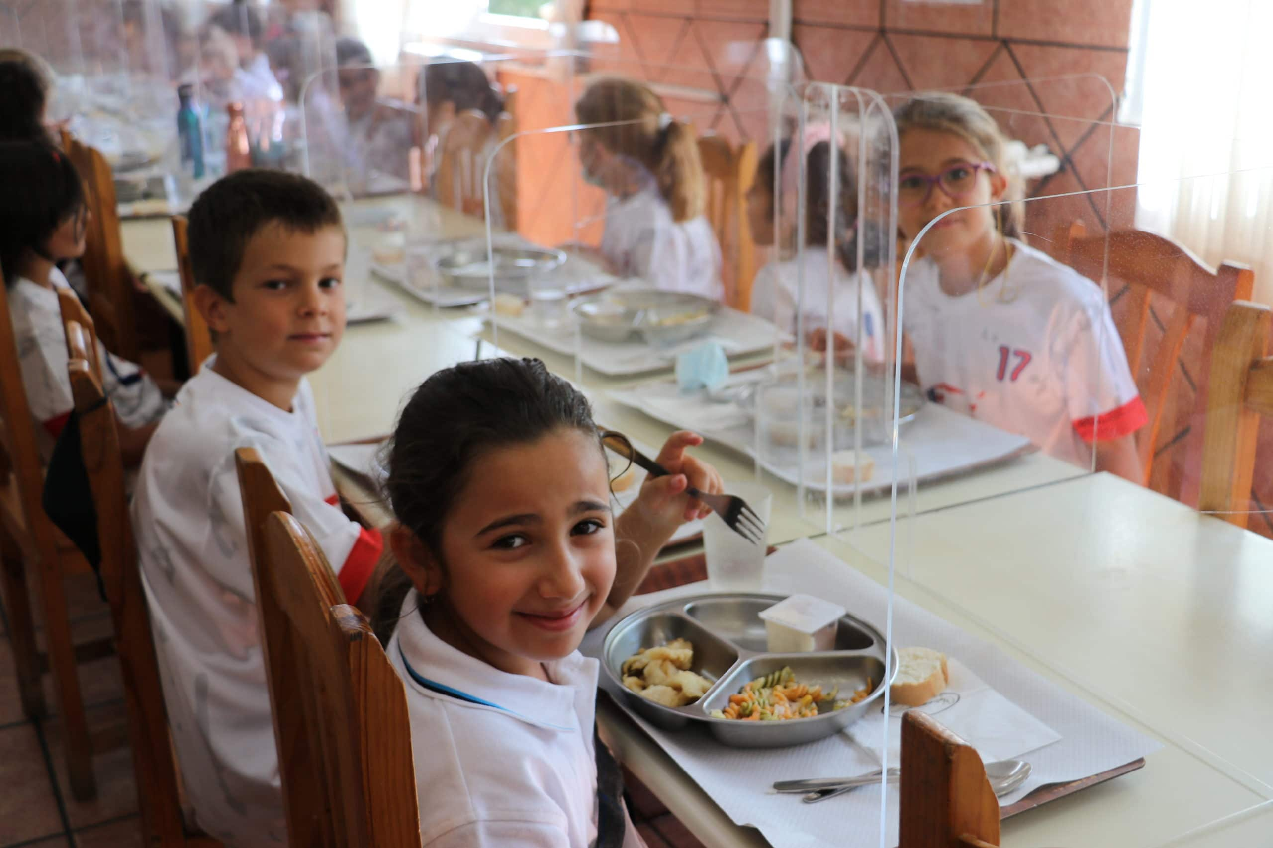 students at the school cafeteria